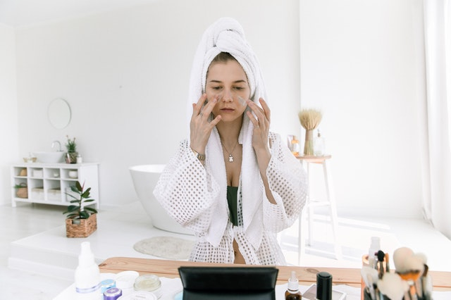 What Is The Best Way To Cleanse Your Skin